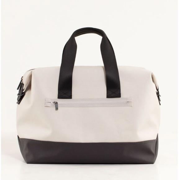 lululemon athletica Handbags - Lululemon Everyday Gym Bag